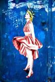 Composition photographique : Jérôme Revon Street-Artist : Pigase ON THE GRATE, Tirage sur papier métallique contrecollé sous diasec, 135 x 90 cm